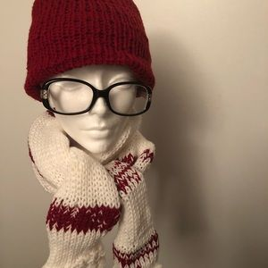 Handmade knitted hat/scarf / glove set. NWOT.